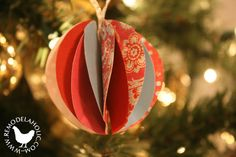 Paper Christmas Decorations Paper Christmas Decorations, Diy Christmas Ornaments, Handmade Christmas, Christmas Wreaths, Holiday Decor, Christmas Tree, All Things Christmas, White Christmas, Ornament Tutorial