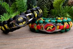 batman paracord bracelet | Batman and Robin Paracord Bracelets Custom Handmade-Wrist Measurement ...Gonna have MAT make me the Batman One...OH YEAH!!!!!!