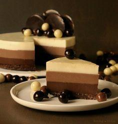 Tarta tres chocolates. Esta y más recetas en el blog http://bakingwithco.blogspot.com.es