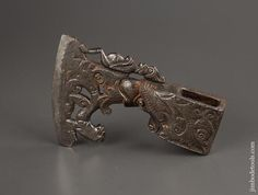 Antique Tools, Old Tools, Kratos Axe, Blacksmithing Knives, Axe Handle, Homemade Weapons, Engraving Art, Viking Axe, Axe Head