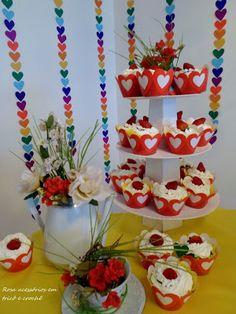 Cup cakes, chá com cup cakes, decor cup cakes, enfeite de mesa cup cakes. By De Coração Festas Afetivas