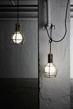 Nos centramos en la iluminacion de estilo industrial donde la bombilla se convierte en la verdadera protagonista.
