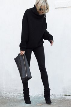 Street style turtle neck black sweater | Just a Pretty Style