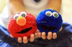 Pom-Pom Elmo & Cookie Monster – DIY Elmo & Cookie Monster Pom Poms — use a key chain to clip onto backpacks and lunch bags Pom Pom Crafts, Yarn Crafts, Diy Crafts, Pom Pon, Pom Pom Rug, Crafts To Make And Sell, Crafts For Kids, Pom Pom Tutorial, Tutu Tutorial