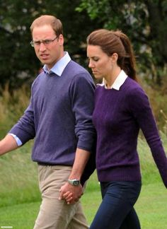 #kateMiddleton and William walking through Holyrood Park in Edinburgh