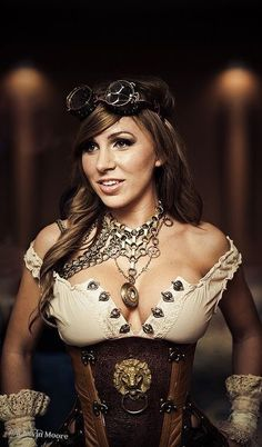 I love when babes Rock steampunk outfits! It's just so sexy!