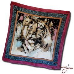"""Maľovaná hodvábna šatka """"PURPLE TIGER"""" symbolizuje kráľa všetkých zvierat a jeho dravosť. Tiger je symbolom odvahy, sily a elegancie. Potešte svojim známych alebo seba krásnym hodvábnym darčekom.  S hodvábnou šatkou """"PURPLE TIGER"""" si dodáte odvahu, silu a eleganciu v jednom. http://www.kozeny.sk"""