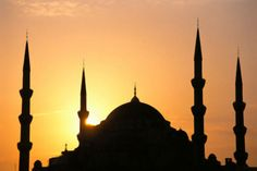 """Milletlerin İslam'ı mı, İslam'ın milleti mi? / Cihanşümul ve total bir inanç sistemi olan İslam'ın değişik varyantlarının olması imkân dâhilinde değil. Ancak bir kısım çevreler, """"Türk Müslümanlığı"""" tabirini ısrarla kullanmaya devam ediyorlar. Bu ısrarcı tutumun amacını irdeleyişimizi..."""