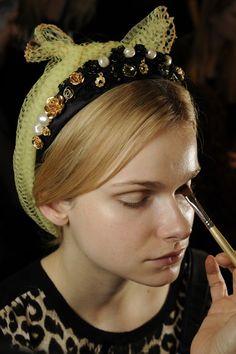 Inspiration - Dolce & Gabbana headband for a Baroque look