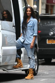 Ciara  Ciara leaving her hotel in NYC   OMFGGGG