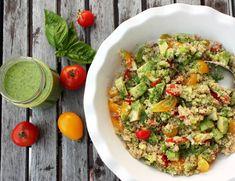 Quinoa mit Avocado in Basilikumvinaigrette