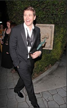 Allen Leech leaving the 2013 SAG Awards. Look at that face! I love this man. :)