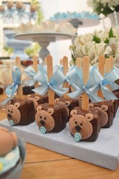 Cute baby bear food ideas for a woodland or rustic baby shower. Baby Shower Cakes, Fiesta Baby Shower, Boy Baby Shower Themes, Baby Boy Shower, Teddy Bear Party, Teddy Bear Baby Shower, Teddy Bear Cookies, Niklas, Baby Boy Birthday