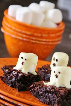 Boo-licious Brownie Treats        Aren't these so adorable?  I just love fall and Halloween time.  Orange is my second favorite color (yes, I have a second favorite), my birthday is in October, and fall means relief from the insanely hot summers here.     These Boo-licious Brownies are so fun and so easy!�