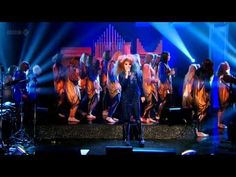 Björk - Crystalline (Later with Jools Holland - 22nd November 2011 - Live Show) - YouTube