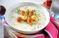 New England Clam Chowder Pressure Cooker Recipe. I've made so many clam chowder recipes, and this one is my current favourite. LOVE that it has been adapted for the pressure cooker. Hip Pressure Cooking, Power Pressure Cooker, Pressure Cooking Recipes, Instant Pot Pressure Cooker, What's Cooking, Cooking Bacon, Cooking School, Clam Chowder Recipes, Soup Recipes