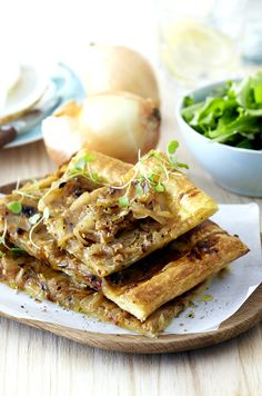Quick and easy, this tasty Roast Onion Tart is ideal served hot as a starter or warm for afternoon tea with friends. Onion Tart, Roasted Onions, Savory Snacks, Light Recipes, Afternoon Tea, Pastries, Foodies, Side Dishes, Breads