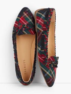 Plaid shoes for the holiday season. #plaid