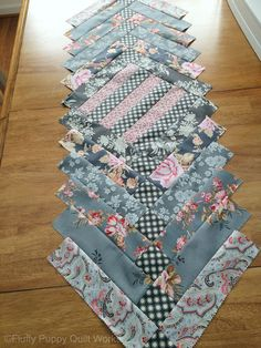 This table runner looks complex, but it isn't.  It's just a simple French braid quilt turned into a table runner. Plus, the tutoria...