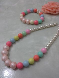 Candy pearl bracelet n necklace full color tp tetep soft kok.... uyu bgt.....