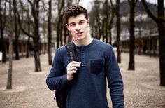 Shawn Mendes looking hot