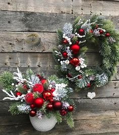 Christmas Time, Christmas Wreaths, Christmas Decorations, Xmas, Holiday Decor, Create, Flowers, Diy, Inspiration