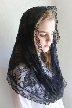 Evintage VeilsOld Country Roses Black Lace Chapel by evintageveils