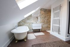Open Plan bathroom with roll-top bath - this would work well in the loft space at the farm Loft Conversion Ensuite, Loft Conversion Gallery, Loft Conversion Design, Loft Conversions, Attic Loft, Loft Room, Bedroom Loft, Loft Ensuite, Loft Bathroom