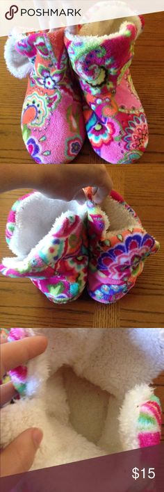 Vera Bradley patterned slippers size large 9 10 These were a Christmas present to my sister and I that we only wore once (which is why I have 2 pairs to sell). They are super comfortable and soft, and are a cute (I think it's called paisley) pattern. They have a lot of life left, and are womens size 9 or 10. Bundle and save! Offers welcome! Vera Bradley Shoes Slippers
