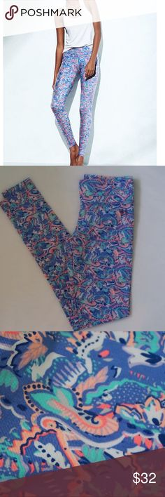 """BRAND NEW VS THE EVERYWHERE LEGGING SIZE XS LONG -BRAND NEW WITHOUT TAG -COLOR: BLUE ALLOVER PAISLEY -SIZE: XS LONG(30"""" INSEAM) -DESCRIPTION: SKINNY LEG; MID WEIGHT; SUPERSET & SMOOTH WITH STRETCH; FLAT WAISTBAND -MACHINE WASH -IMPORTED COTTON/POLYESTER/SPANDEX -MADE IN SRI LANKA           ⭐RATED SELLER  FAST SHIPPER NEXT DAY SHIPPING  ❌NO TRADE ❌NO PAYPAL ✅BUNDLE OFFER Victoria's Secret Pants Leggings"""