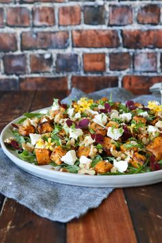 Salad With Baked Sweet Potatoes, Feta And Walnuts – Recipe For Salad - Salat Ideen Walnut Recipes, Raw Food Recipes, Veggie Recipes, Salad Recipes, Healthy Recipes, Salad Menu, Salad Dishes, Feta, Cottage Cheese Salad