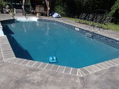 pool with courtstone/natural gray liner - Google Search Swimming Pool Tiles, Garden Swimming Pool, Swimming Pool Landscaping, Swimming Pool Designs, Landscaping Ideas, Backyard Ideas, Pool Colors, Pool Finishes, Pool Liners