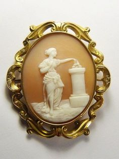 FABULOUS ANTIQUE GOLD SHELL CAMEO MOURNING BROOCH PIN LADY MAKING OFFERING c1870