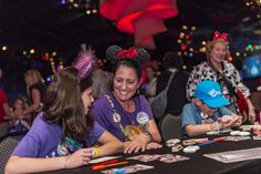 Disney Vacation Club Members Join Together to Spread Holiday Cheer