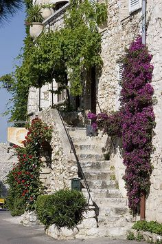 St Paul de Vence, a medieval French Village surrounding a castle, located on the Frence Riviera.