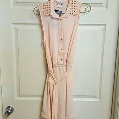 Peach sleeveless dress Peach sleeveless dress new with spike collar Double Zero Dresses Midi