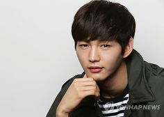 Lee Won Geun Asian Actors, Korean Actors, Lee Won Geun, Passionate Love, Korean Men, Drama Movies, Hyde, Autumn Winter Fashion, Actors & Actresses