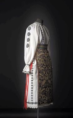 Folk Costume, Costumes, Romania People, Dream Dress, Fictional Characters, Inspiration, Ethnic, Anna, Dresses