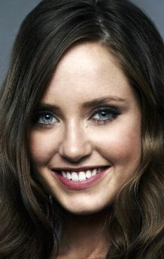 Merritt Patterson with those depending on the light Blue or Grey eyes Mckaley Miller, Beautiful Eyes, Beautiful Women, Merritt Patterson, Gray Eyes, Jennifer Connelly, Hallmark Movies, Face Claims, Woman Crush