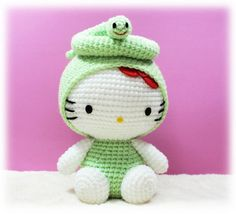 Amigurumi Hello Kitty in Chinese Zodiac Cosplay : Snake. $29.00, via Etsy.