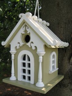 A Charming hanging birdhouse available in different colors. This style has a durable nylon cord that allows easy movement. Kiln-dried hardwood construction with a removable back wall for easy cleaning