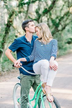Bicycle engagement photo by Aaron and Jillian Photography