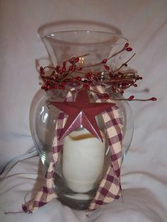 Primitive Glass Candle Holder with Burgundy Pip Berries and Barn Star.this looks like an easy DIY Rustic Crafts, Country Crafts, Country Decor, Easy Primitive Crafts, Country Homes, Primitive Homes, Country Primitive, Prim Decor, Rustic Decor