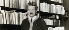 En 2015 se cumplen 100 años de la gran predicción de Einstein, nacido un día como hoy en 1879 http://esmateria.com/atomos/cuando-einstein-vio-la-luz/…