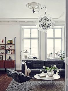 The Most Incredible Stockholm Apartment (Joanna Lavén) - photos: Idha Lindhag. Via Wit & Delight.