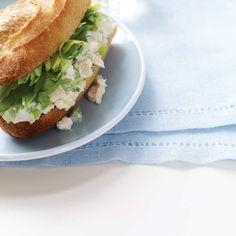 Sandwichs à la salade de poulet revisités | Ricardo Salad Sandwich, Chicken Sandwich, Chicken Salad, Sandwich Croque Monsieur, Celery Salad, Baguette Bread, Ricardo Recipe, Paninis, Baby Spinach