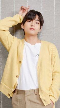 Bts Taehyung, Bts Selca, Bts Bangtan Boy, Namjoon, Taehyung Fanart, Hoseok, Daegu, Foto Bts, Bts Kim
