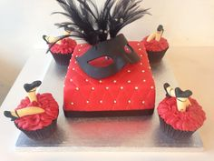 moulin rouge cupcakes