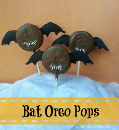 halloween treats bat oreo pops