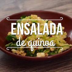 Ensalada de quinoa A healthy option full of proteins and vitamins offered by quinoa. Cucumber Recipes, Veggie Recipes, Mexican Food Recipes, Vegetarian Recipes, Healthy Recipes, Authentic Mexican Recipes, Healthy Cooking, Healthy Snacks, Healthy Eating